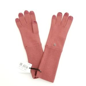 Lululemon Scroll on knit gloves